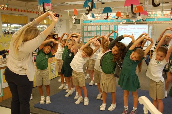 Kindergarten mindful stretching