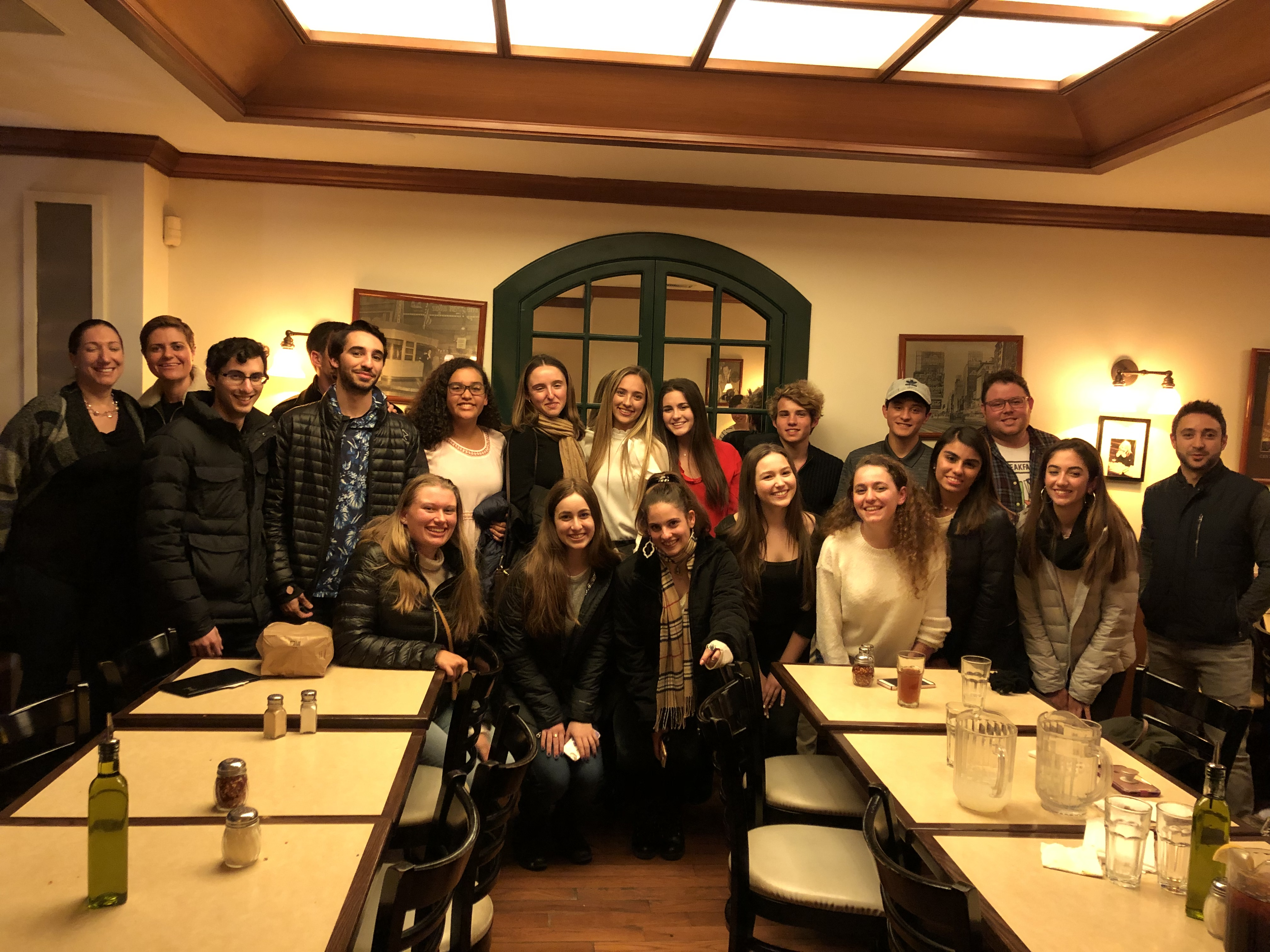 Journalism students in NYC with alumni March 2019