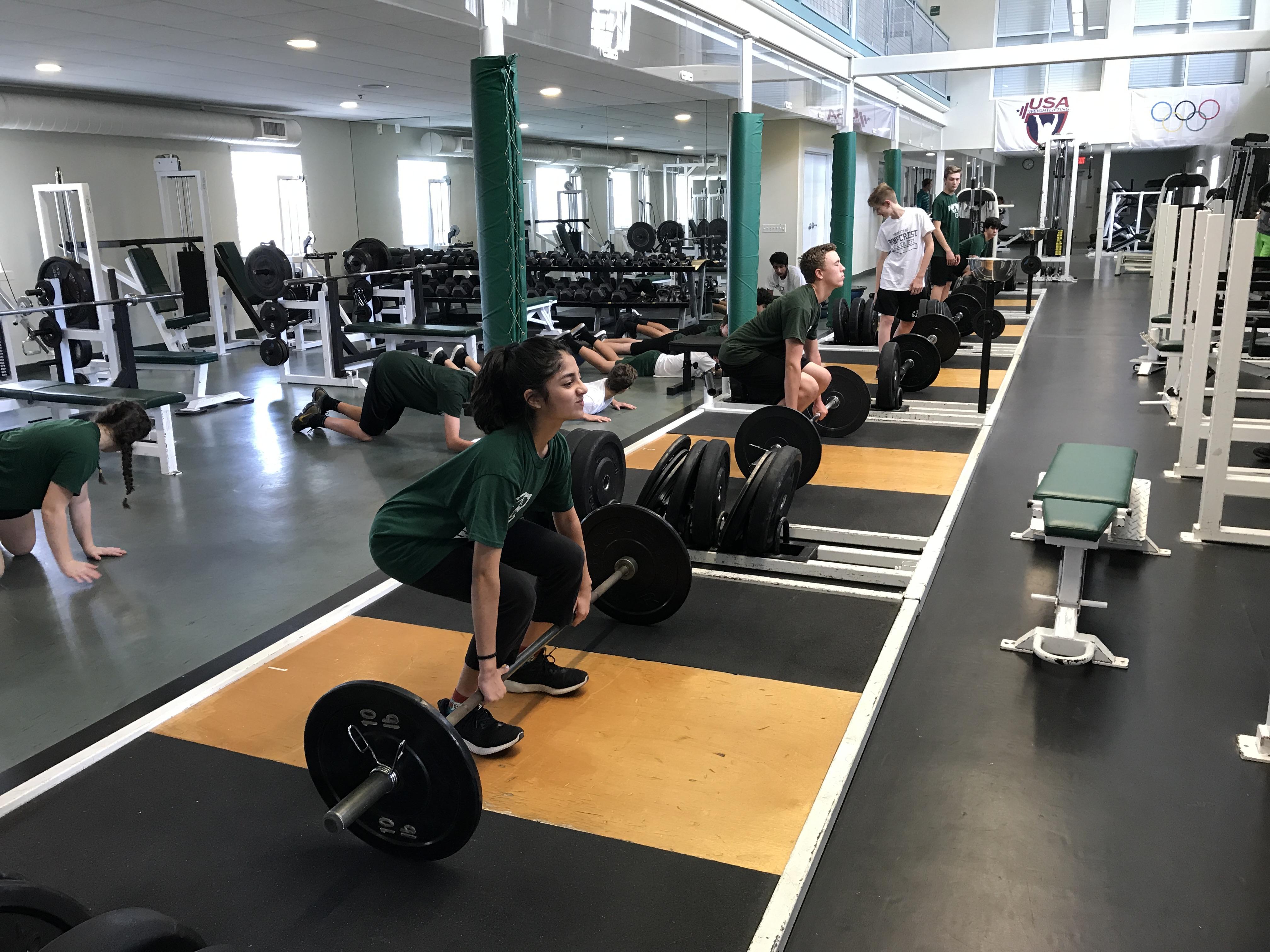 Middle-School-weightlifting-PE.jpg